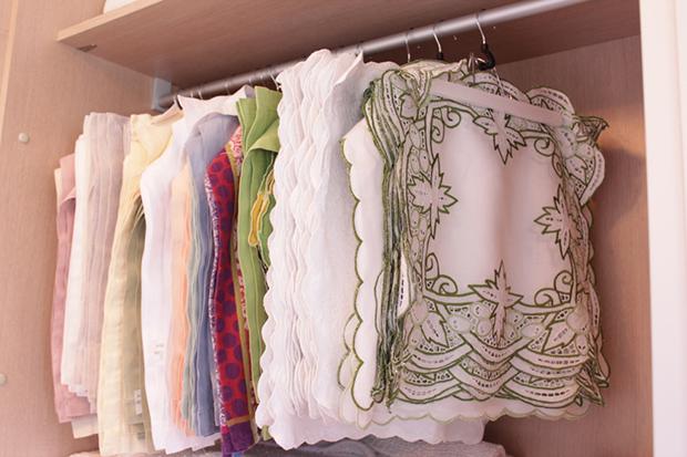 dicas-de-como-organizar-toalhas-de-mesa-jogos-americanos-porta-guardanapo-e-guardanapos-blog-ask-mi2