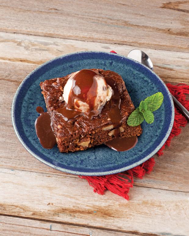 Receita do dia: Brownie de chocolate com nozes e linhaça!