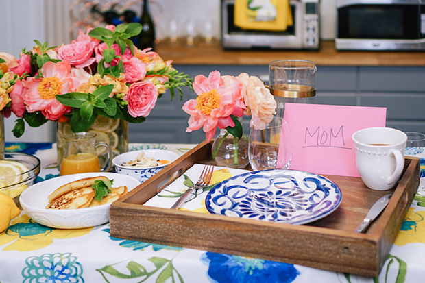 Mother's Day table decor!