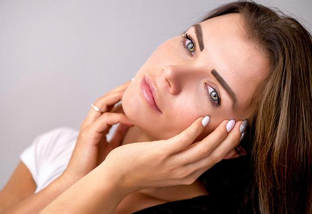Amenize os efeitos do clima seco na pele com dicas simples!