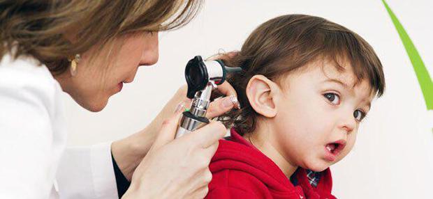 Palavra de especialista: quando e como perceber se o bebê tem problemas auditivos?