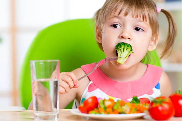 Hábitos alimentares saudáveis devem começar na infância!