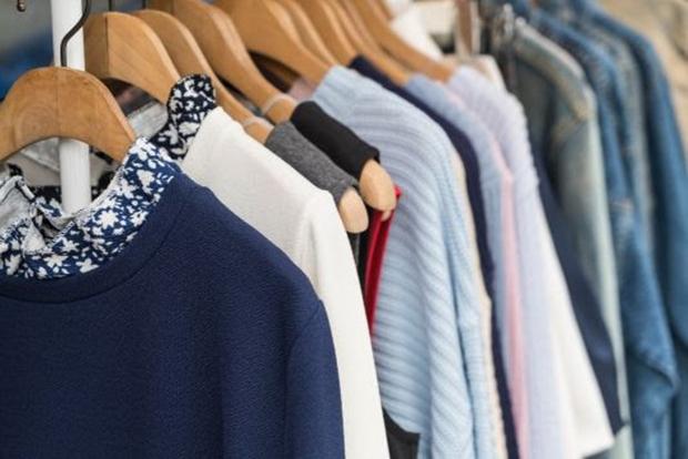 Com a chegada do frio, saiba como organizar o guarda-roupa de forma eficiente!