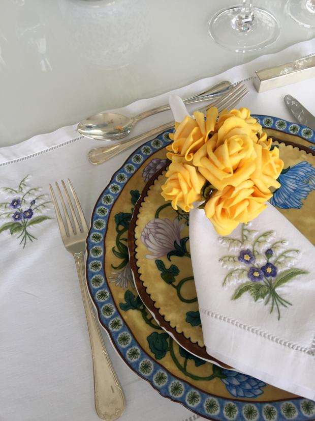 Inspiração para mesa azul e amarela!