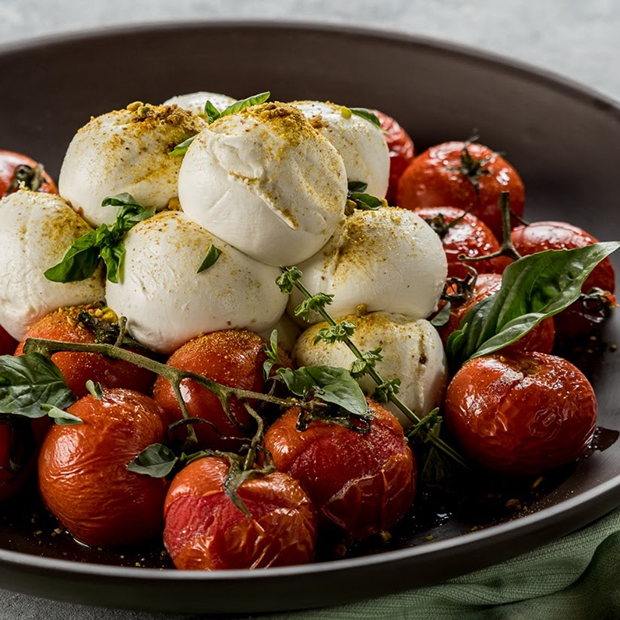 Receita do dia: Tomate confit com mozzarella Búfalo Dourado!