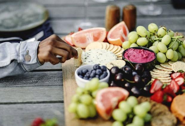 Com a chegada do inverno, conheça cinco frutas ideais para consumir na estação!